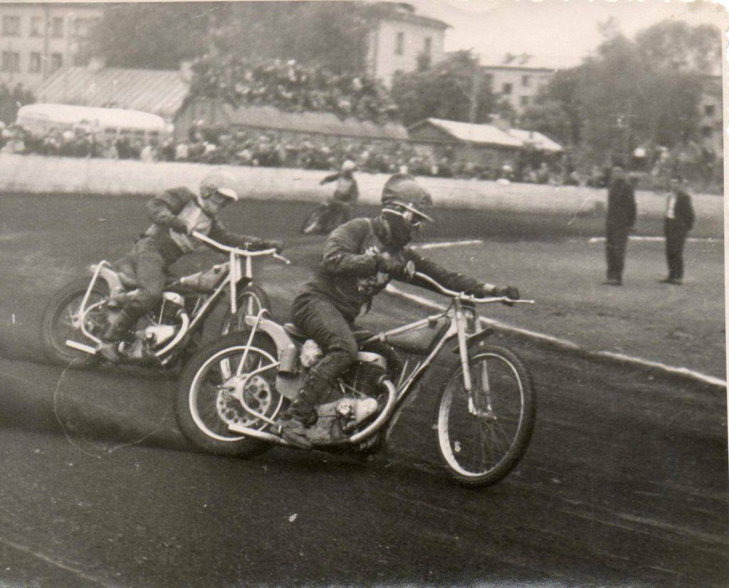 """Стадион """"Локомотив"""", соревнования между сборными ЛатвССР и Польши. 1969 год, автор неизвестен."""
