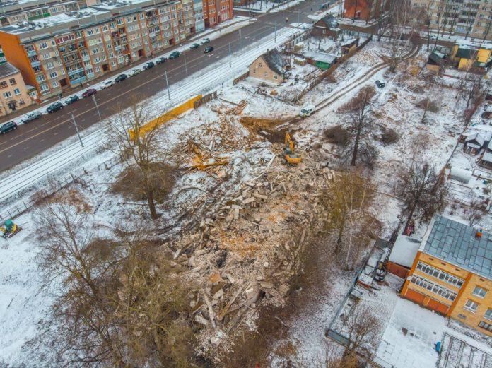 Расчистка территории, на которой планируется строительство магазина сети Lidl. Март 2019 года. Фото: Евгений Ратков