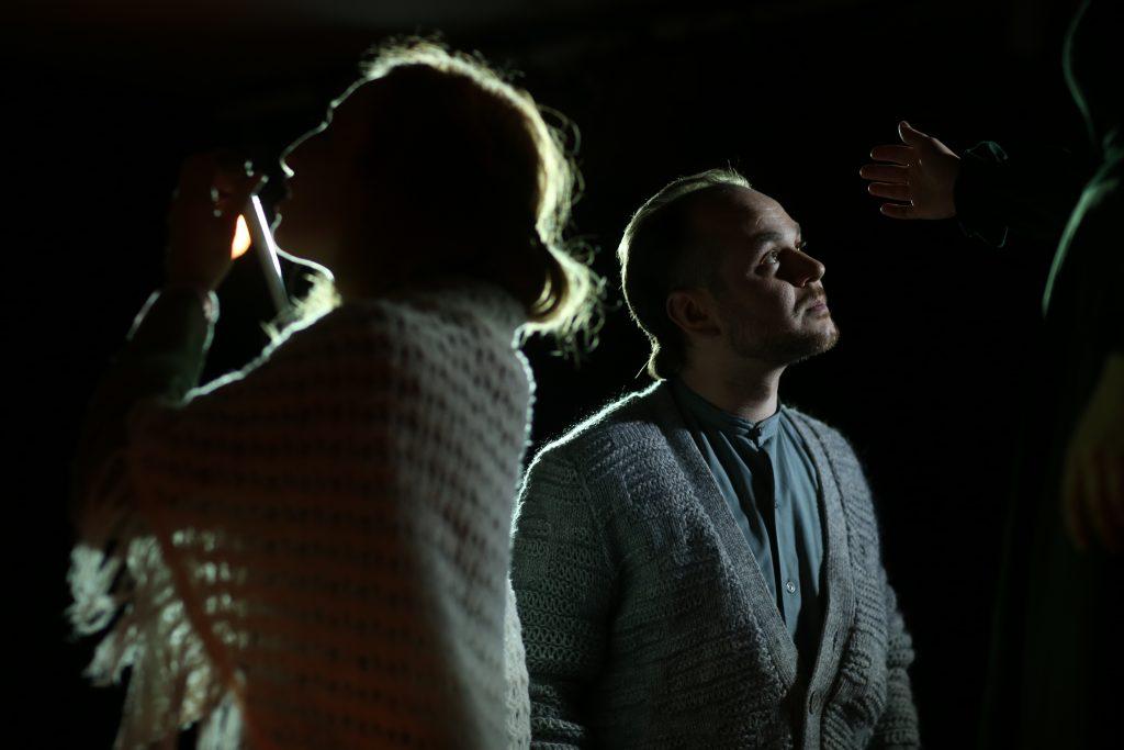 """Михаил Абрамов в роли Эдукса в спектакле """"Кричащие"""""""