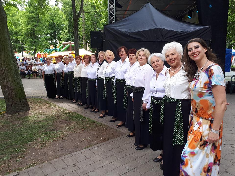 Танцевальный коллектив Дневного центра Saskarsme SAPNIS, которым руководит Татьяна