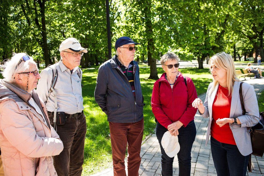 На экскурсии у Инесе Шулиной