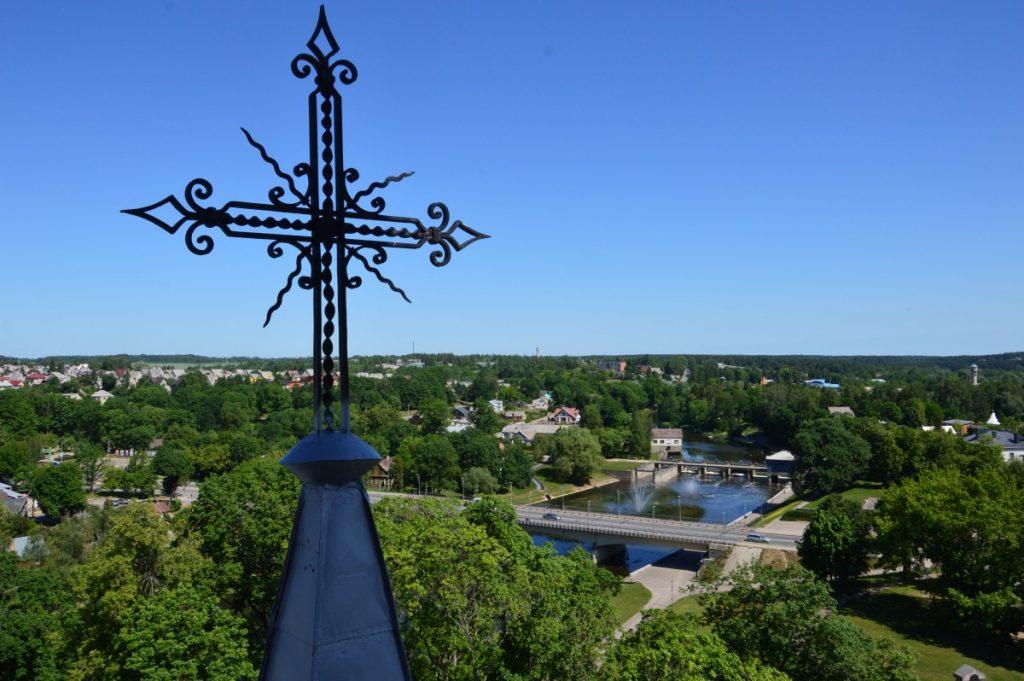 Вид со смотровой площадки костёла Святого апостола евангелиста Матаса в Аникщяе. Фото Ирина Мазурика