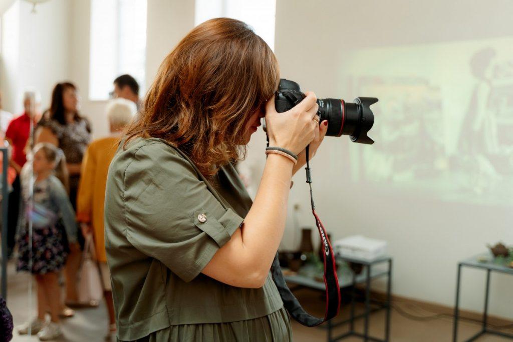 Ирина Маскаленко на открытии своей выставки