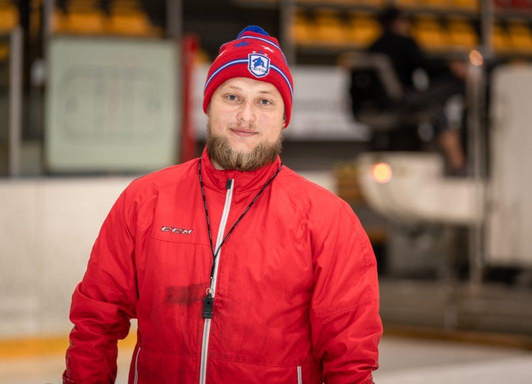 Тренер Даугавпилсской спортивной ледовой школы Иван Кокин