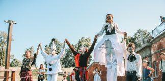 """Уличный театр """"Pololo"""" на Фестивале исторической реконструкции в Даугавпилсской крепости. 20.07.2019"""