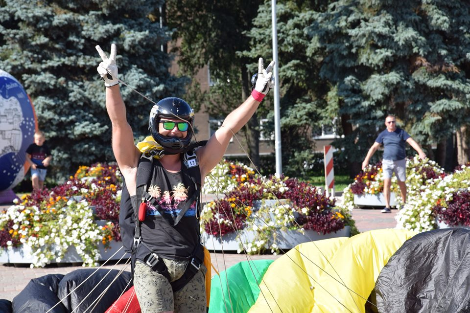 Чемпионат Латвии по парашютному спорту на точность приземления в Даугавпилсе. Фото: Станислав Монский