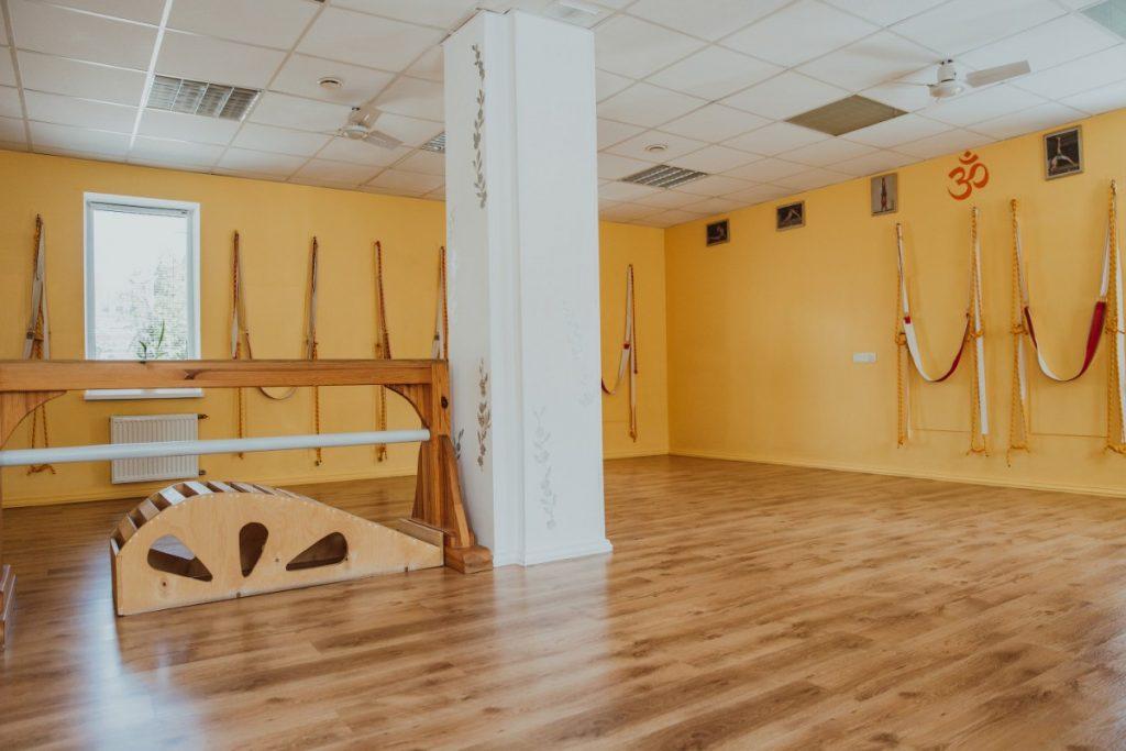 """Школа йоги """"Лотос"""""""