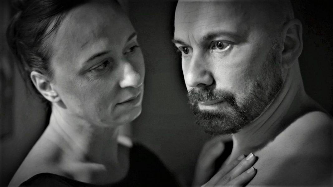 Фрагмент мультимедийного проекта Даугавпилсского театра Affabulazione. Моника Мариотти и Олег Шапошников