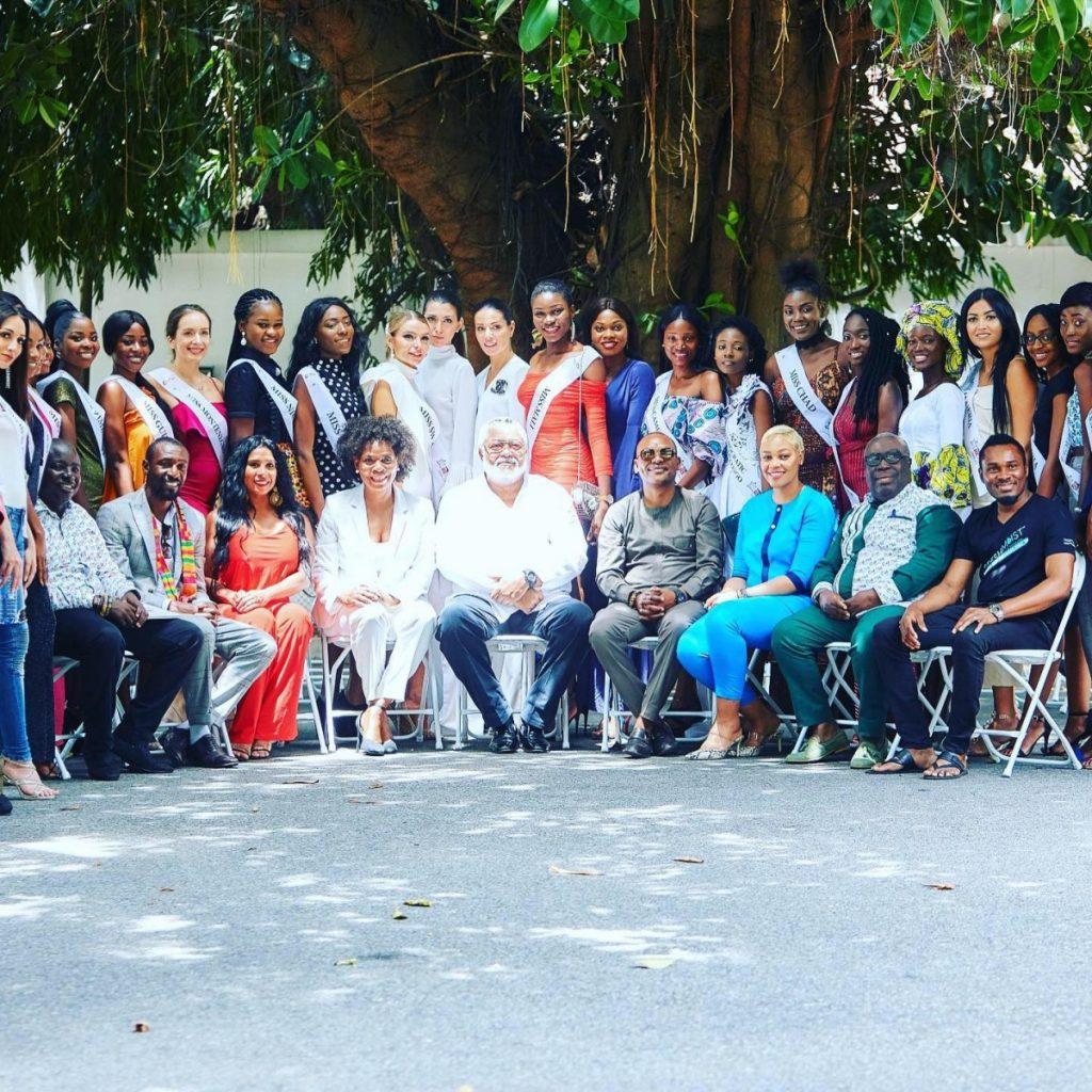 Участницы и организаторы конкурса красоты Miss Heritage Global 2019. Фото из личного архива Алисы Мишковской