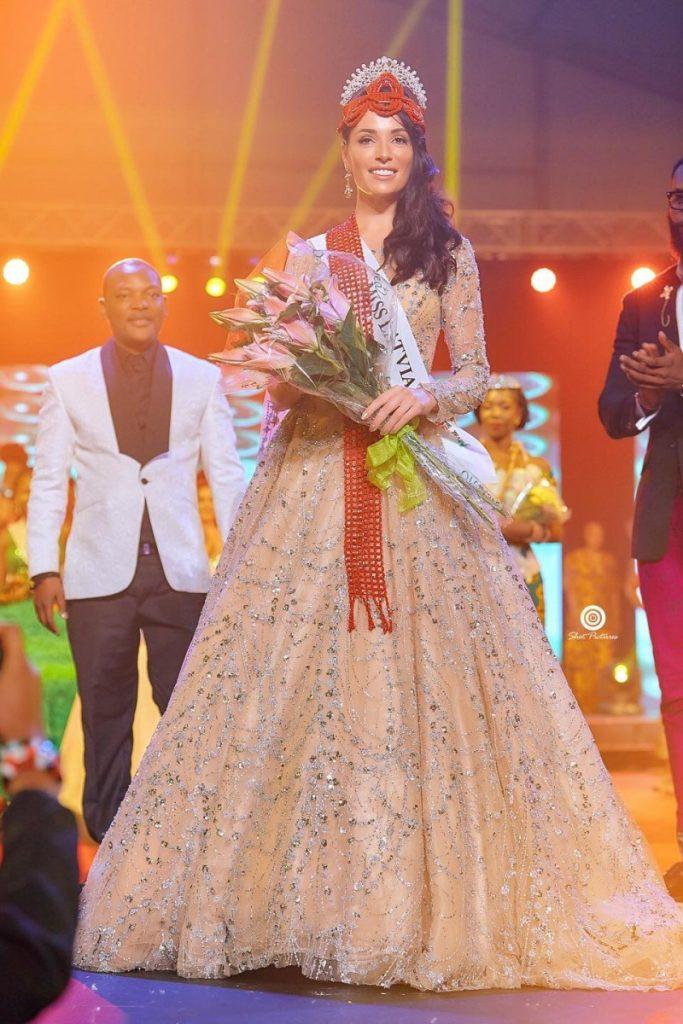 Алиса Мишковская (Латвия, Даугавпилс) - победительница конкурса красоты Miss Heritage Global 2019. Фото из личного архива