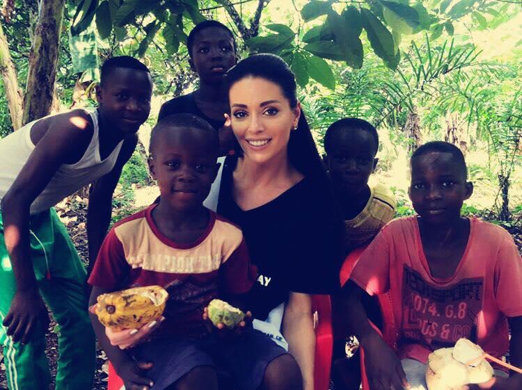 Алиса Мишковская с детьми в Гане. Фото из личного архива