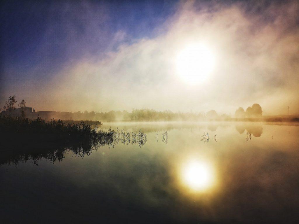 Первые заморозки в Даугавпилсе. Озеро Шуню, 23 сентября 2019 года, 8:45. Фото: Сергей Соколов