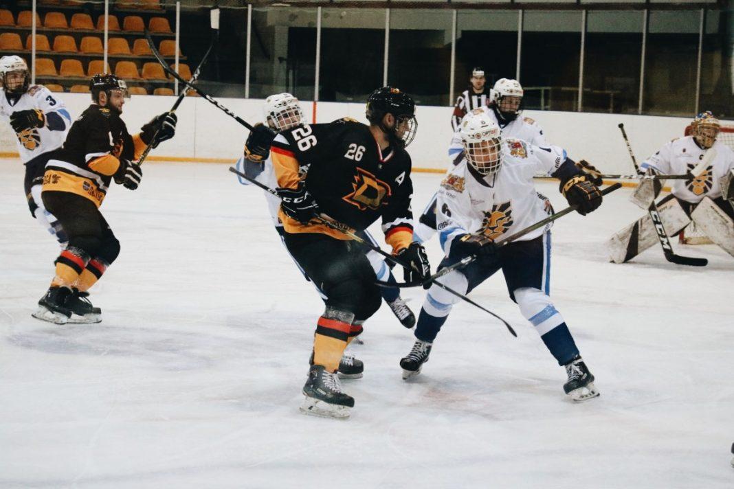 Игра Чемпионата латвийской Высшей лиги по хоккею: ХК «Динабург» против хоккейной школы «Рига». 5 октября 2019 года. Фото: Настя Гавриленко