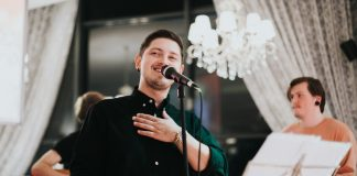Фронтмен группы Maffiz Артём Абарас на презентации своего первого клипа. Даугавпилс, 10 октября 2019 года. Фото: Ирина Маскаленко