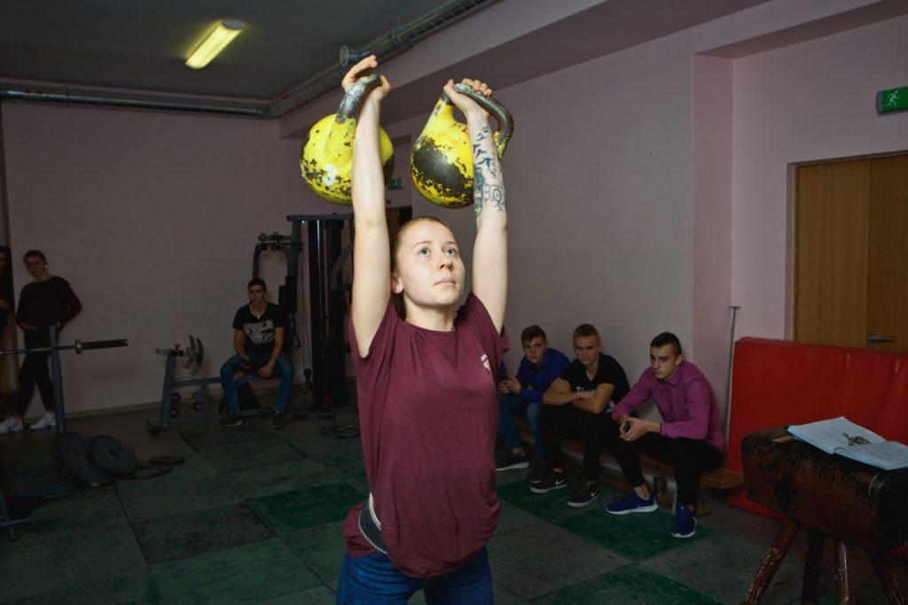 Анастасия Желткова, победительница Кубка Латвии по гиревому спорту. Фото: Сергей Соколов