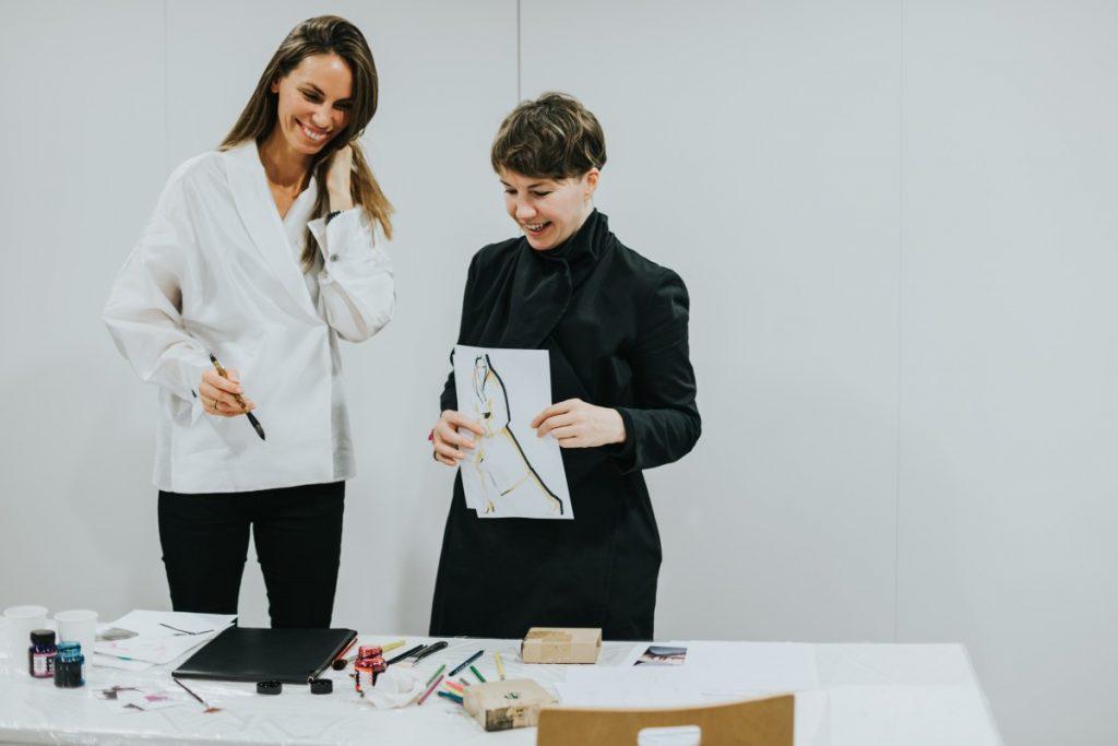 Марта Бижане и Байба Ладига-Кобаяши на мастер-классе в Даугавпилсе. Фото: Ирина Маскаленко