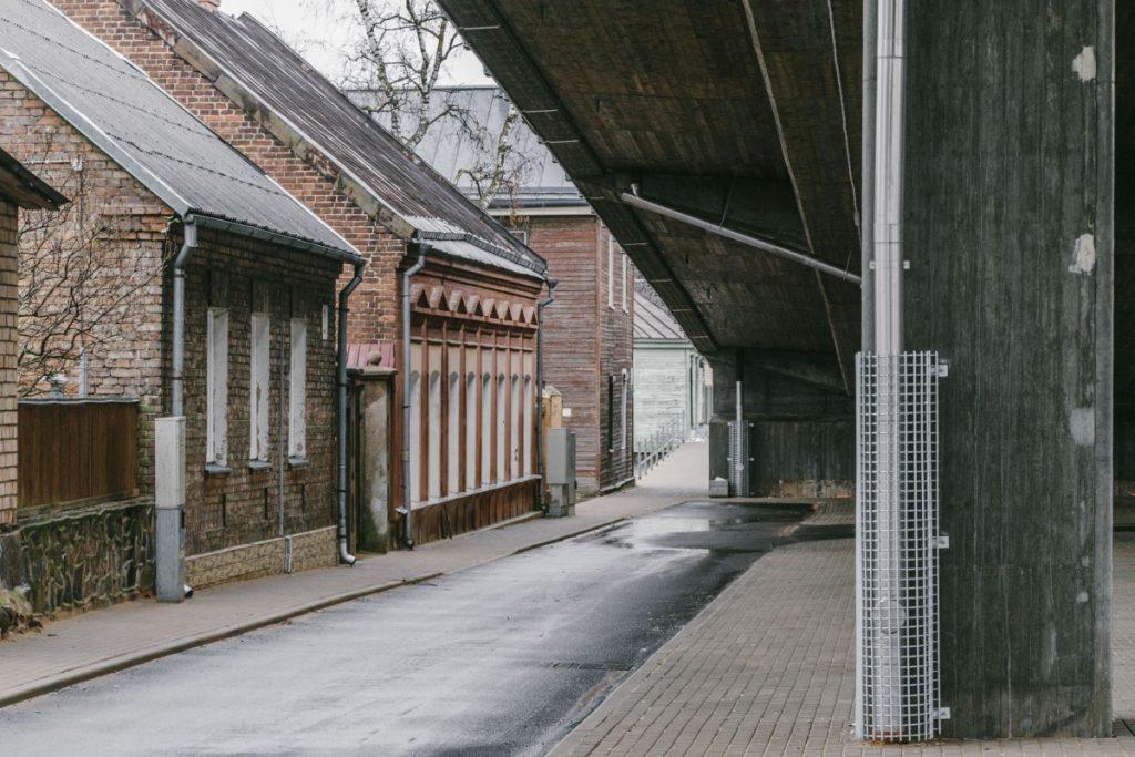 Путепровод на улице Смилшу. Даугавпилс, 4 ноября 2019 года. Фото: Евгений Ратков