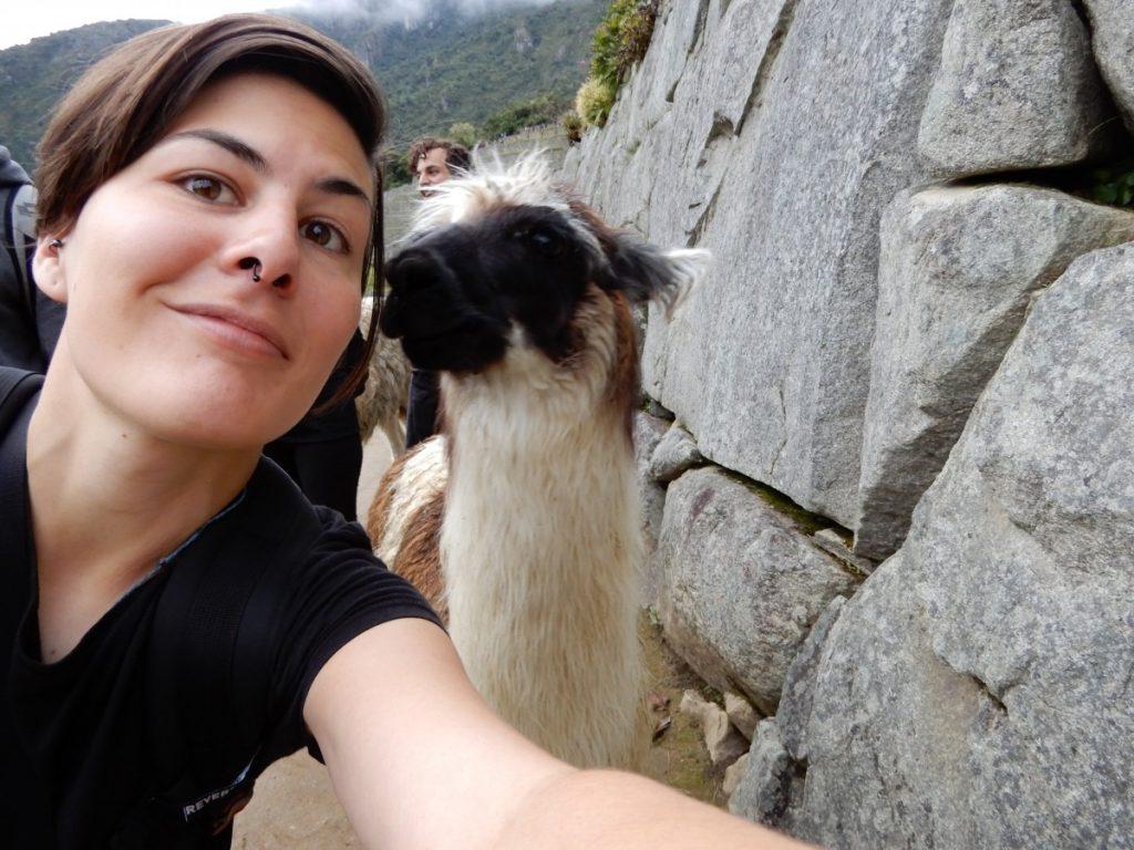 Путешественница Марта Негро. Перу, селфи с альпакой. Фото из личного архива