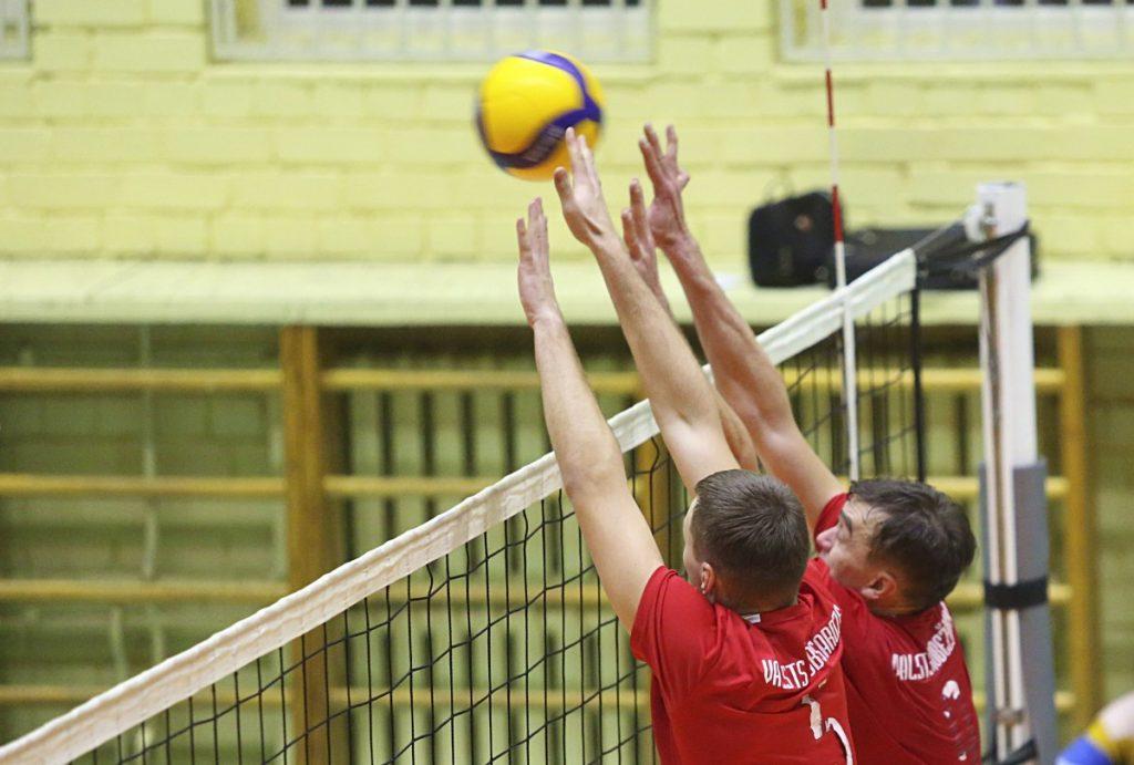Чемпионат Даугавпилса по волейболу. 16 декабря 2019 года. Фото: Сергей Кузнецов