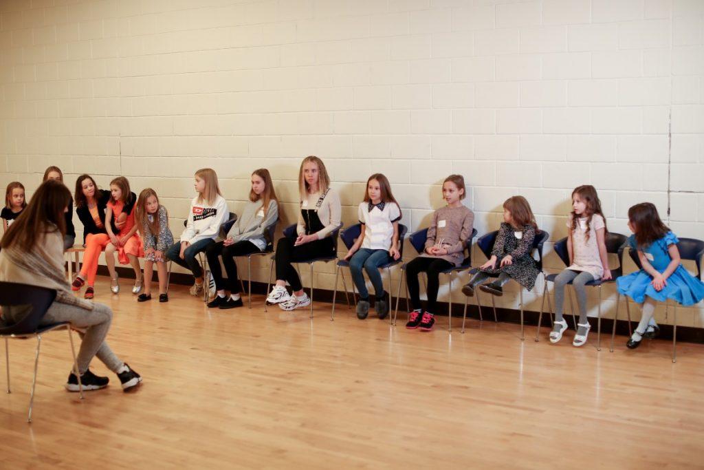 Мастер-класс рижской детской школы моделей BABOCHKA в Даугавпилсе. 7 декабря 2019 года. Фото предоставлено агентством