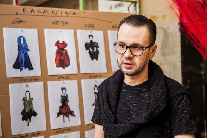 Эгилс Вилюмовс, сценограф и художник по костюмам спектакля Даугавпилсского театра
