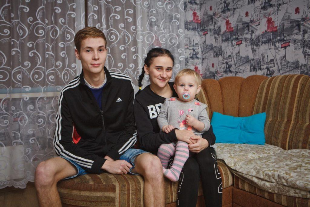Дариус Ершов с женой Вероникой и дочкой. Фото: Сергей Соколов