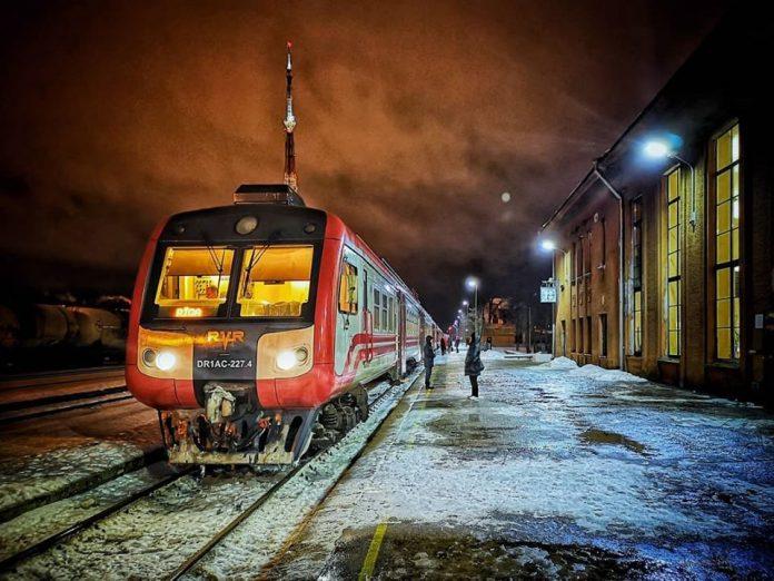 Железнодорожная станция в Даугавпилсе. 14 января 2019 года. Фото: Сергей Соколов