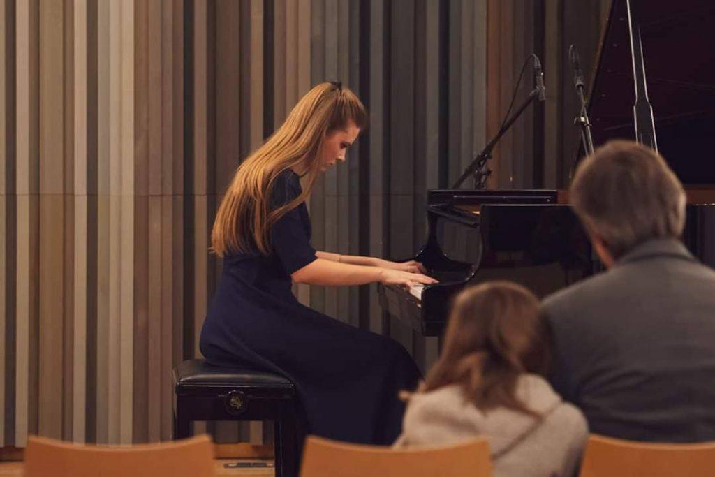 Студентка Латвийской Музыкальной академии им. Язепа Витола Рената Куртиша. Фото из личного архива