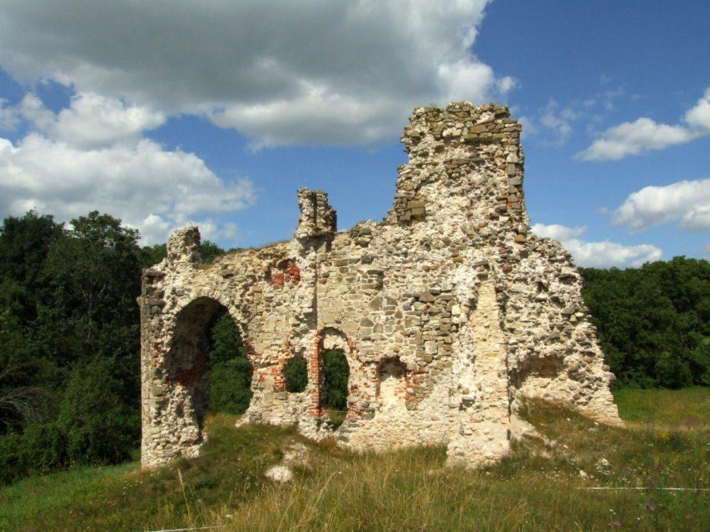 Руины замка Ашераден в Айзкраукле. Автор: Modris Putns. Фото: commons.wikimedia.org