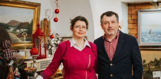 Станислав и Лариса Злобины, владельцы ретро-кафе Ēdnīca Nr.1 в Даугавпилсе. Фото: Ирина Маскаленко