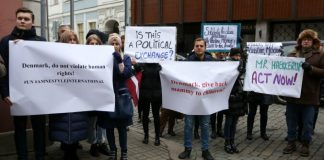 Пикет у посольства Дании в поддержку Кристине Мисане. Рига, 15 января. Фото: LETA