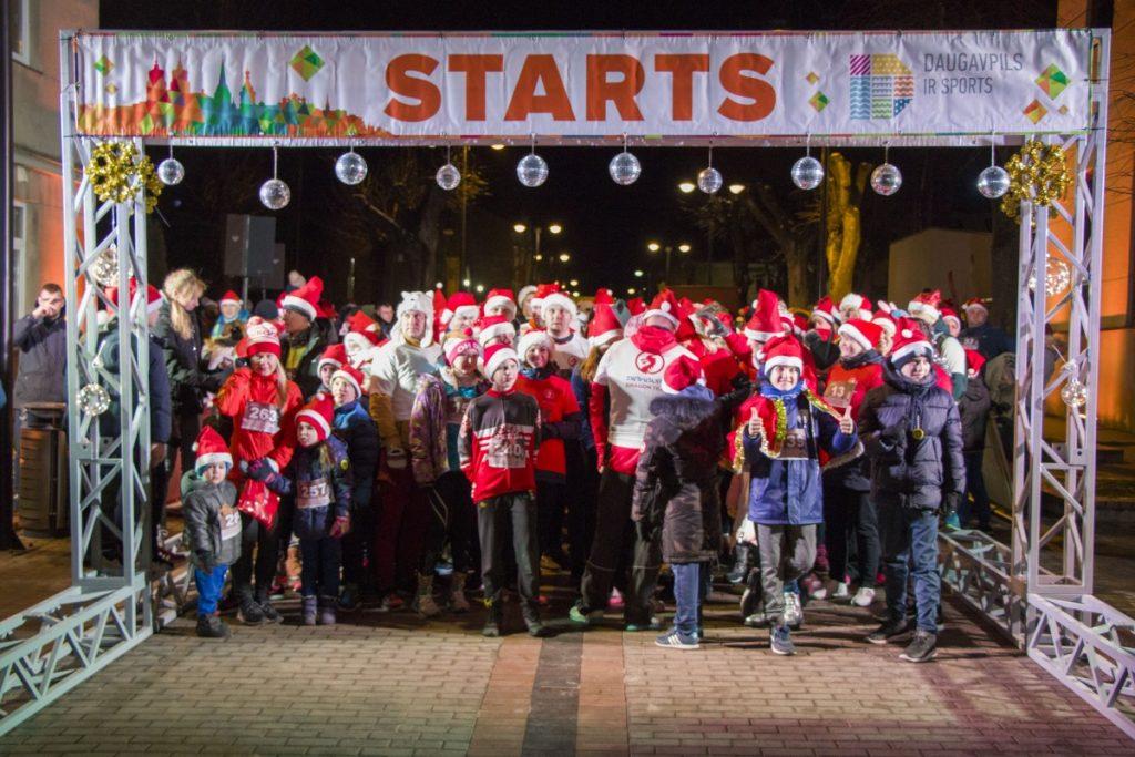 Новогодний забег в Даугавпилсе. 30 декабря 2019 года. Фото: Евгений Ратков