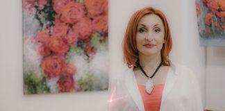 Лелде Кундзиня на открытии своей выставки. 9 января 2020 года, Даугавпилс. Фото: Евгений Ратков