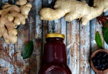 Медовый сироп из черной смородины с имбирём от Green Hive. Фото предоставлено производителем
