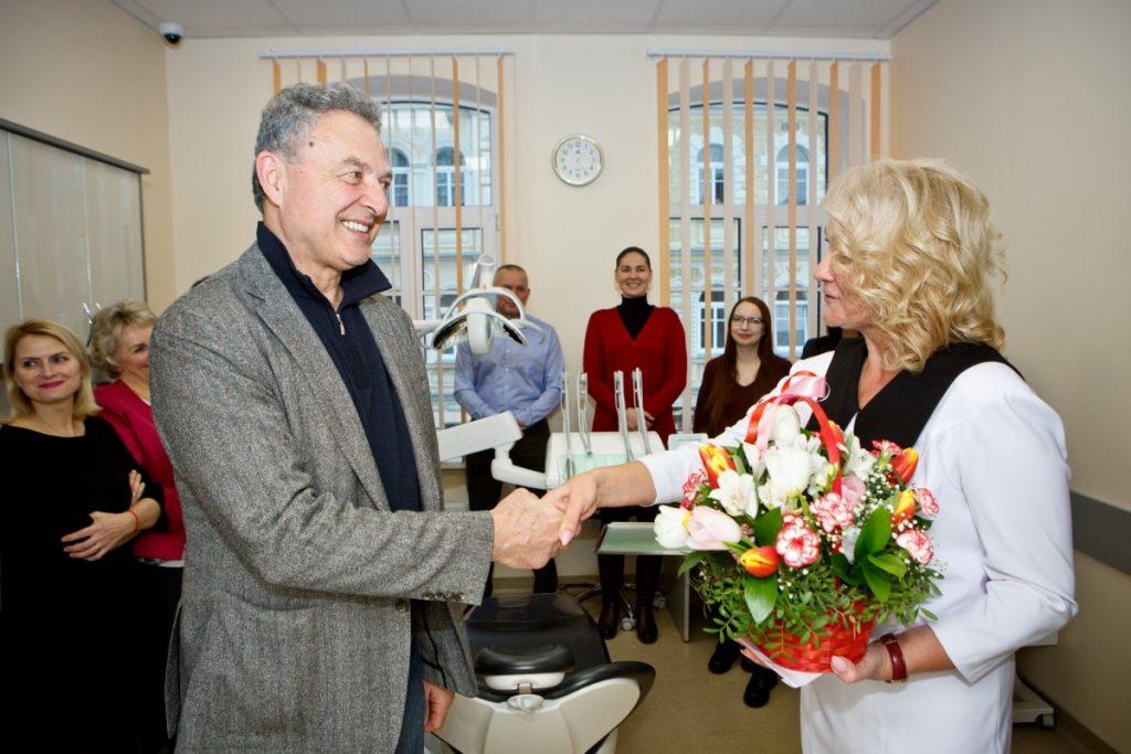 Клаудио Марчесини, менеджер по продажам CEFLA Dental Group, на дне рождения стоматологического кабинета DIADENT. Фото: Сергей Соколов