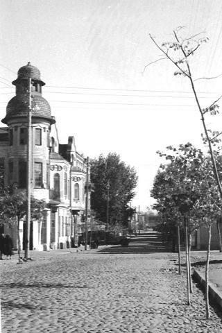 1950 - ые. Улица Саулес вымощена булыжником. Фото: Ретро Даугавпилс - Латвия