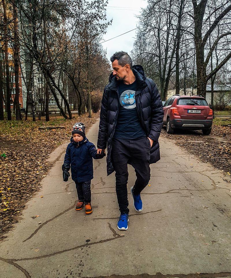 Виктор Авраменко с сыном. Фото из личного архива