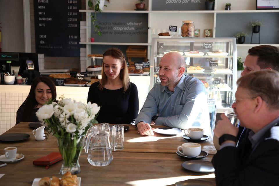 Работники социального предприятия RB Cafe. Фото из личного архива Мариса Грависа