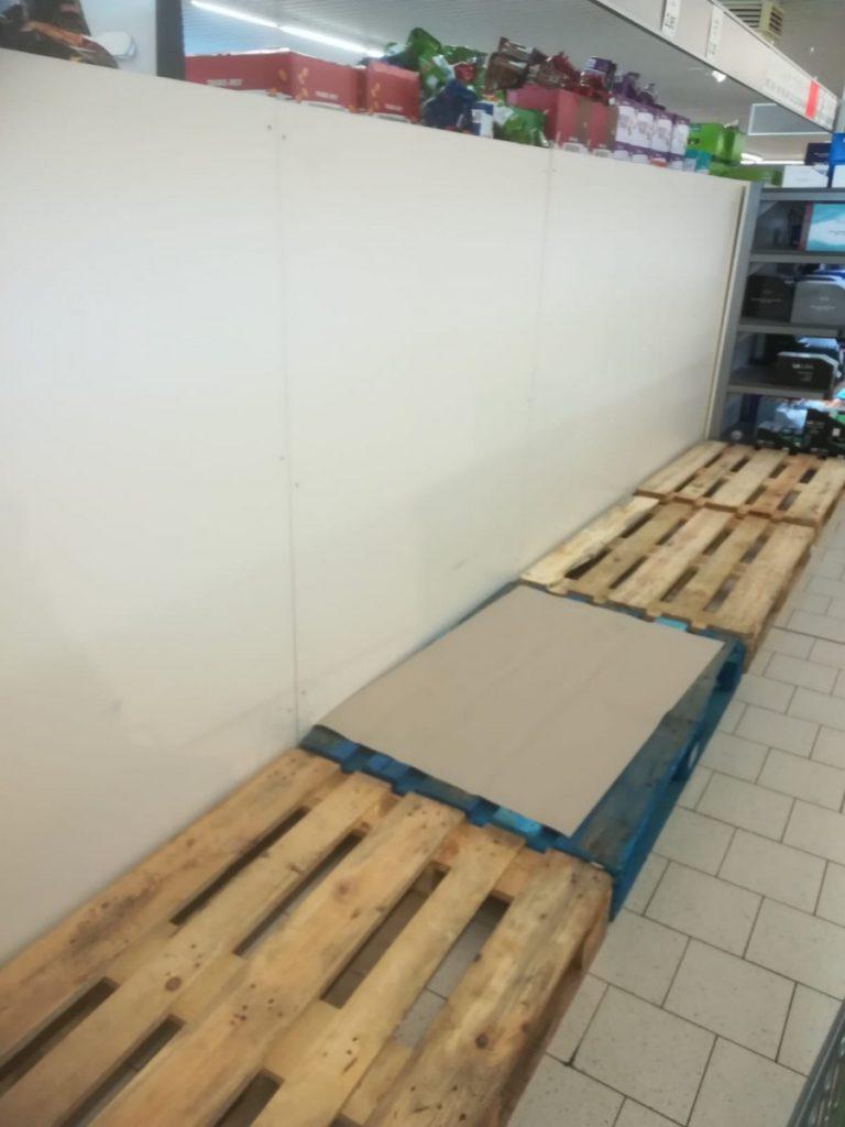 Полки магазина в Фихтенвальде. Март 2020 года. Фото: Галина Фейчина-Гадач