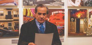 Гордон Франк Сандер на открытии своей фотовыставки в Даугавпилсе. 3 марта 2020 года. Фото: Настя Гавриленко