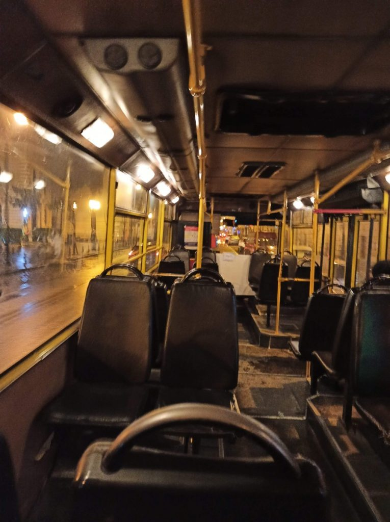 Пустой общественный транспорт, Тбилиси, март 2020 года. Фото: Махаре Ачаидзе