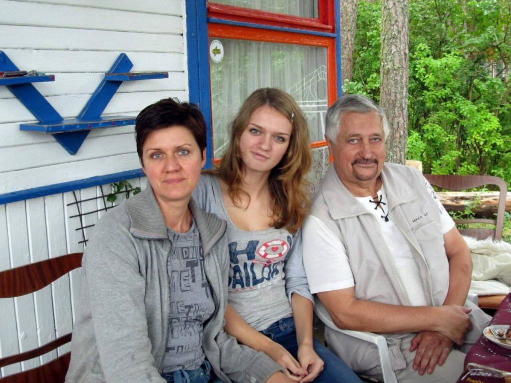 С дочкой Верой и супругом Владимиром. Фото из личного архива Светланы Окунь