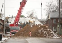 Строительство путепровода на улице Смилшу в Даугавпилсе. 12 марта 2019 года. Фото: Сергей Кузнецов