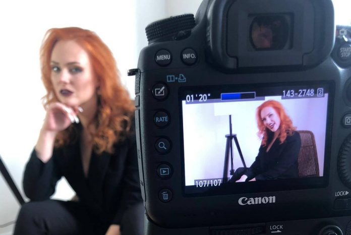 Ольга Лакса на съёмке своего первого клипа. Фото из личного архива