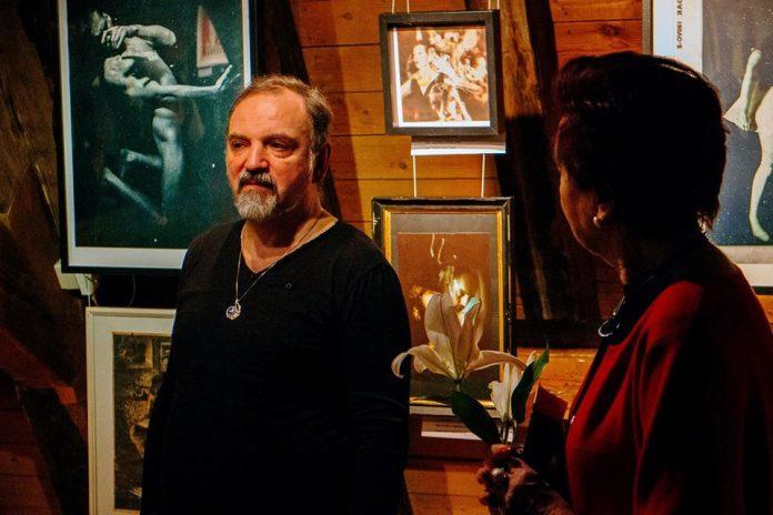 Андрей Маевский и Лита Бейрис на открытии выставки. 12 марта 2020 года, Рига. Фото из личного архива Андрея