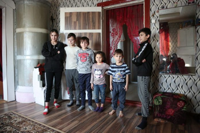 Дети семьи Бейнарович. Фото: R Media