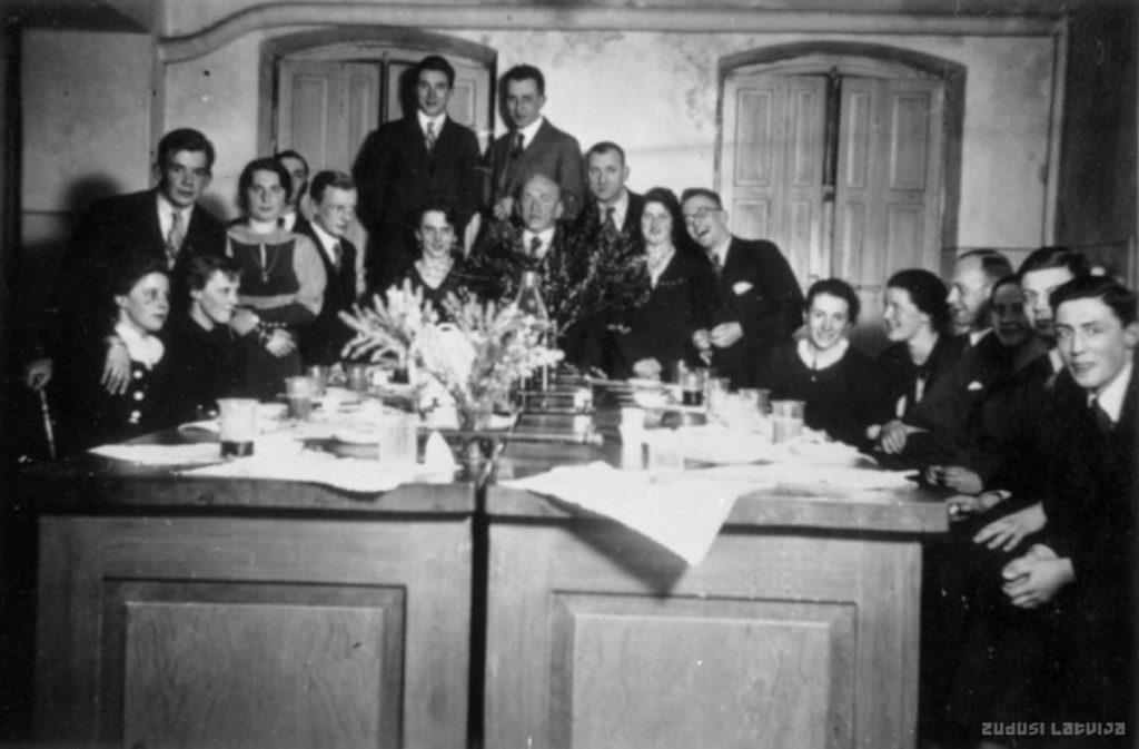 Лаборатория института Гердера, урок химии, 1925 год. Фото: www.zudusilatvija.lv