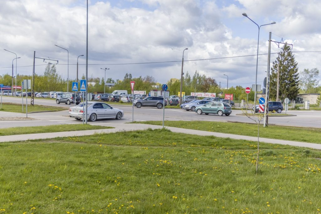 Даугавпилс. Перекрёсток улиц Циетокшня, Балву и Виенибас. 20 мая 2020 года. Фото: Евгений Ратков