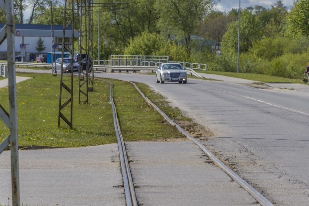 Трамвайные пути в Даугавписе. 20 мая 2020 года. Фото: Евгений Ратков