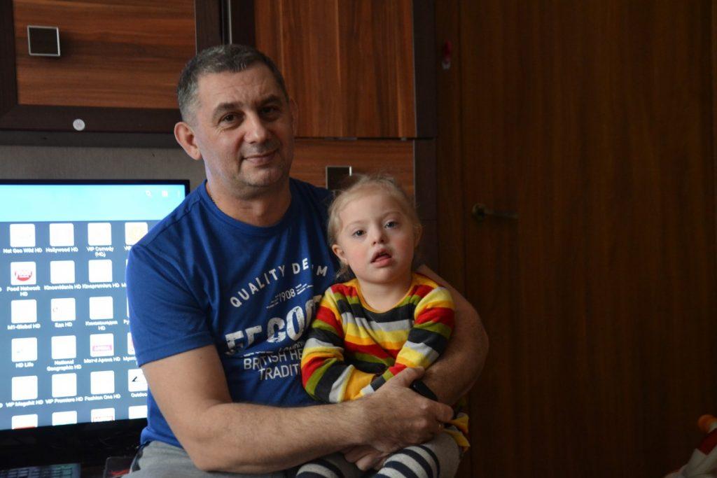 Михаил Тумашевич с дочкой Анной. Фото: R Media